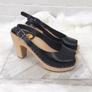 {Toffel Swedish Hasbeens} Ankle Strap Heeled Clogs